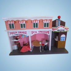 Ice Cream Shop and Movie Diorama - b256