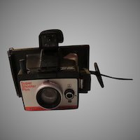 Super Shooter Plus Polaroid Land Camera - b260