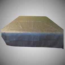 Glittering Gold Thread Tablecloth - L1