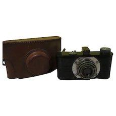 Argus Anastigmat 35mm Camera in case - b280
