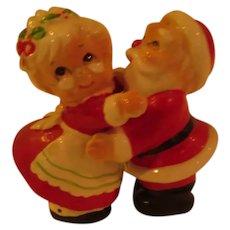 Santa and Mrs Hugger Shakers - b287