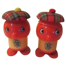 Scotch Plaid Hat Salt and Pepper Shakers - b270