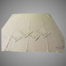 Luncheon Card Table Cloth and Napkins - b274