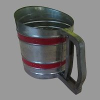 Red Stripe Sift-Chine Flour Sifter - b271