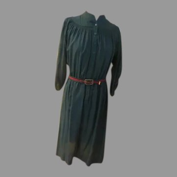 Leslie Fay Green Smocked Shirtwaist Dress