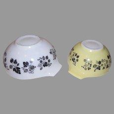 Pyrex Yellow Gooseberry Middle Size Cinderella Bowls - g