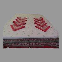 Poinsettia Border Tablecloth and Napkins - b290