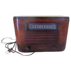 General Electric 1940's AM Radio Model LLP-609 - b