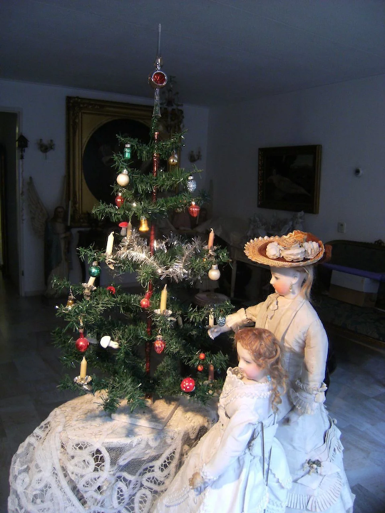 German Christmas Tree.Beautiful Antique German Christmas Tree With Hand Blown Glass Ornaments