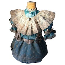 A really wonderful French dress and Hat for a antique doll of 52cm. or 19,9 In.