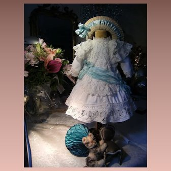 Beautiful childlike dolls dress with lovely hat, for a doll from 52cm or 20,5 inches