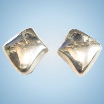 Mexico Sterling Silver Puffy Diamond Shape Clip Earrings