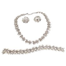 Vintage Trifari Rhinestone Necklace Bracelet Earrings Set