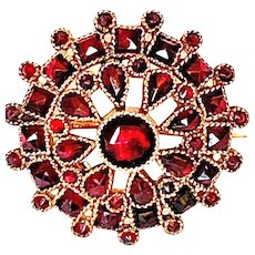 Victorian Simulated Garnet Vauxhall Glass Pin Brooch