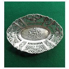 800 Silver Tray With Cherubs