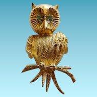 Vintage 18K YG Owl Brooch With Emeralds