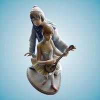 """Lladro """"Minstrel's Love""""  #5821  13 1/2"""""""