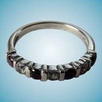 Vintage Sterling Band Style Ring With Garnets & Paste