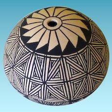 Acoma Pottery Seed Pot Signed KARLA YACLO
