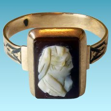 Victorian 9K Cameo Ring