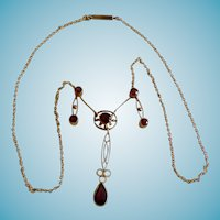 English Edwardian 9K & Garnet Festoon Necklace