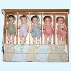 """1930s Set of 5, 7"""" Alexander Composition Dionne Quint Dolls w original Tagged outfits and box"""