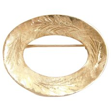 14k Gold Etched Oval Pin / Brooch