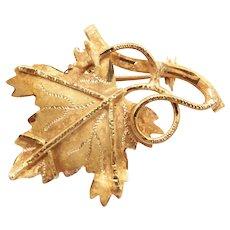 Detailed Leaf Pin / Brooch 18k Gold