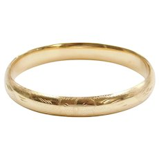 """7 5/8"""" 14k Gold Floral Etched Hinged Bangle Bracelet"""