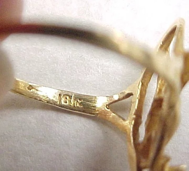 Top Vintage 18k Gold Playboy Bunny Ring ~ Quartz Accent SOLD | Ruby Lane MM37