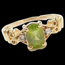 Vintage 14k Gold Peridot and Diamond Ring
