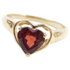 Vintage 14k Gold Garnet Heart Ring