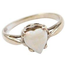 Vintage 10k White Gold Opal Heart Ring
