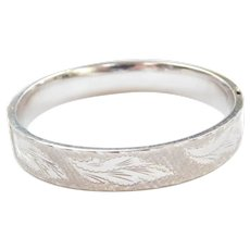 14k White Gold Wide Etched Hinged Bangle Bracelet ~ 7""