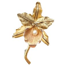 18k Gold Cultured Pearl Flower Pin / Brooch