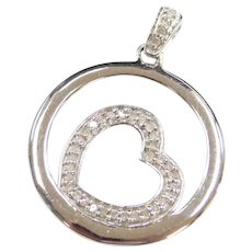 10k White Gold Diamond Heart Circle Pendant