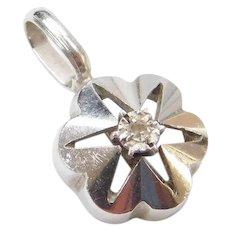 14k White Gold Diamond Flower Pendant