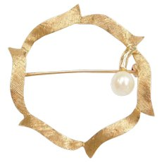 14k Gold Cultured Pearl Circle Pin / Brooch