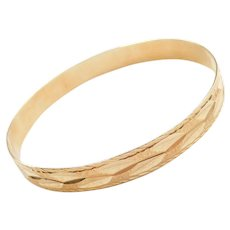 "7 7/8"" 14k Gold Stacking Diamond Cut Bangle Bracelet"