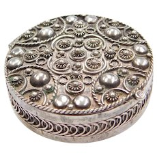 950 Silver Ornate Bead and Twisted Rope Pill Box