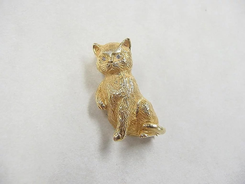 Vintage 18k Gold Cat Pin Brooch With Diamond Eyes