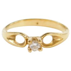 Vintage 18k Gold .06 Carat Diamond Solitaire Ring