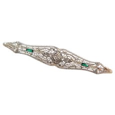 Art Deco 14k White Gold Emerald and Diamond Filigree Bar Pin / Brooch