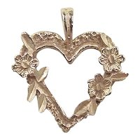 Vintage 14k Gold Heart Flower Charm