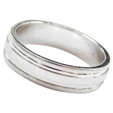 Men's Platinum Wedding Band Ring with Textured Finish