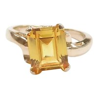 Vintage Yellow Sapphire 2.30 Carat Solitaire Bypass Ring 14k Yellow Gold