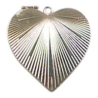 Vintage 14k Gold Opening Locket Heart Charm