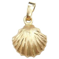 14k Gold Shell Charm