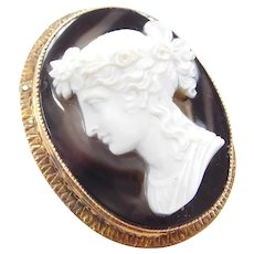 Victorian Carved Banded Agate Cameo Pin / Brooch 14k Gold