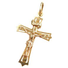 18k Gold Crucifix Cross Pendant / Charm